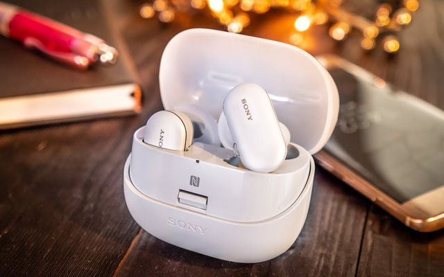 Không phải mỗi Airpods Pro mới có chống ồn và nghe âm thanh nền, 5 mẫu tai True Wireless này đã tích hợp từ lâu, giá chỉ từ 1.85 triệu
